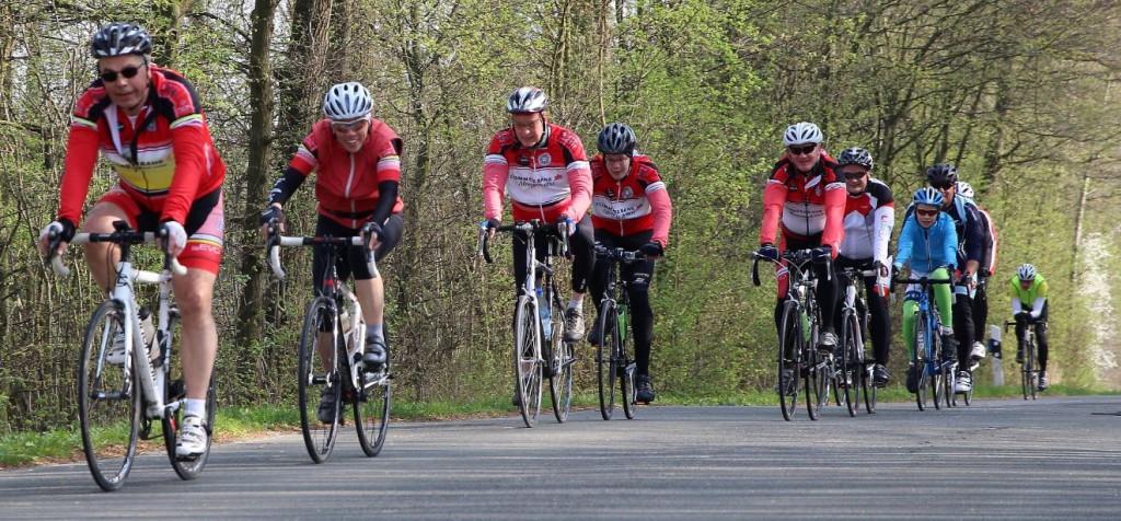 Radsportgruppe um Ernst Bockhorst